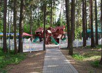 Детская площадка, поселок таунхаусов Елочка